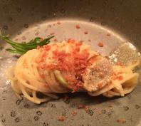Huisgemaakte pasta met Bottarga viskuit erover heen